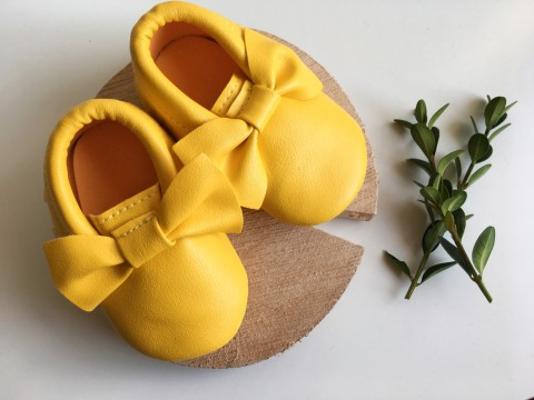 Yellow bow moccs